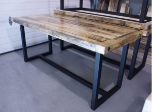 bàn làm việc chân sắt mặt gỗ đẹp